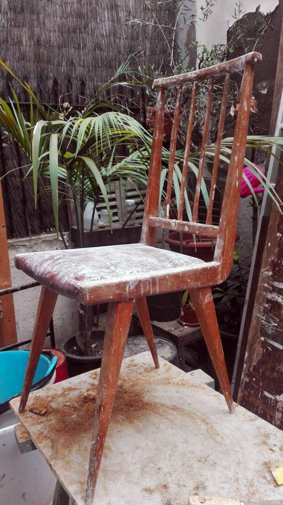 GatVell. Cadira abans de restaurar-la